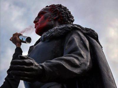 Iconoclastia: statue ed odio
