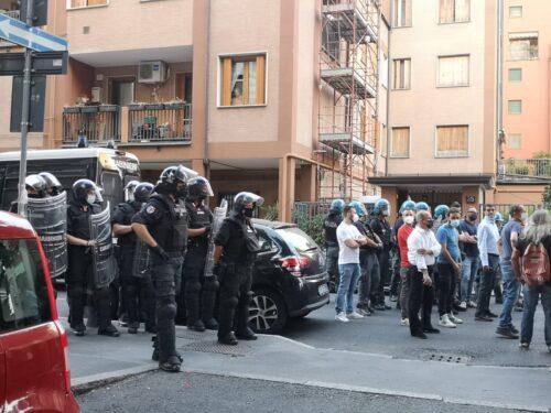 Solidarietà allo spazio abitativo-sociale di via Iglesias a Milano!